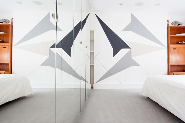 London Apartment by Sybarite Architects:  Bedroom by Whitaker Studio
