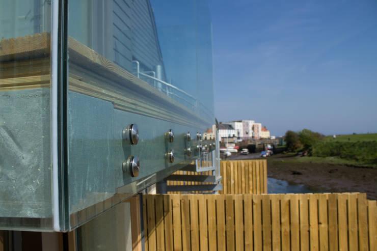 Coastal Balcony:  Terrace by Architects Scotland Ltd