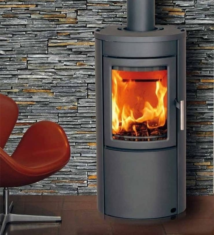 Heta Scanline 500 Woodburning Stove:  Living room by Direct Stoves