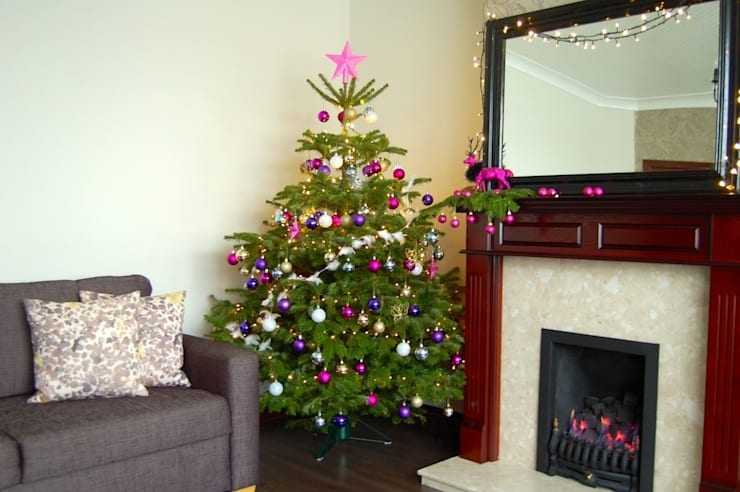 Residential Christmas Styling: modern Living room by Bhavin Taylor Design