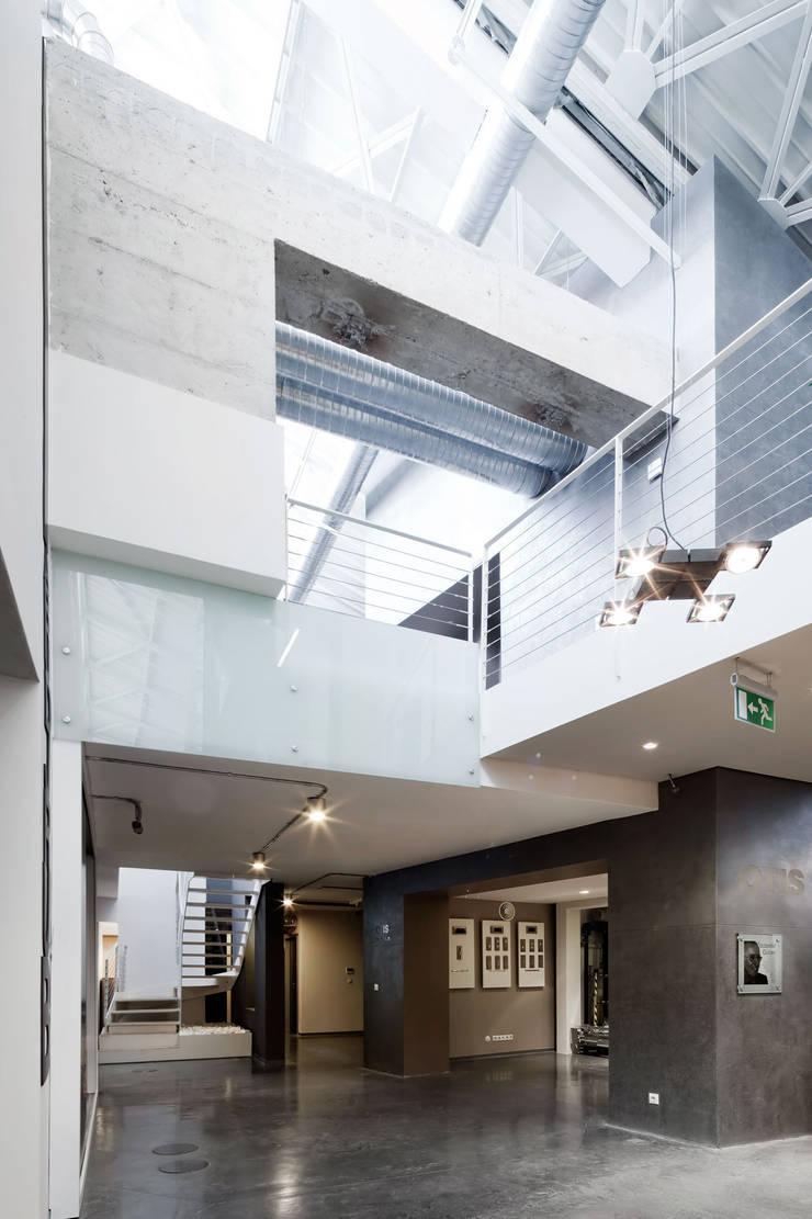 SANALarc – OTIS Istanbul Headquarters:  tarz Koridor ve Hol