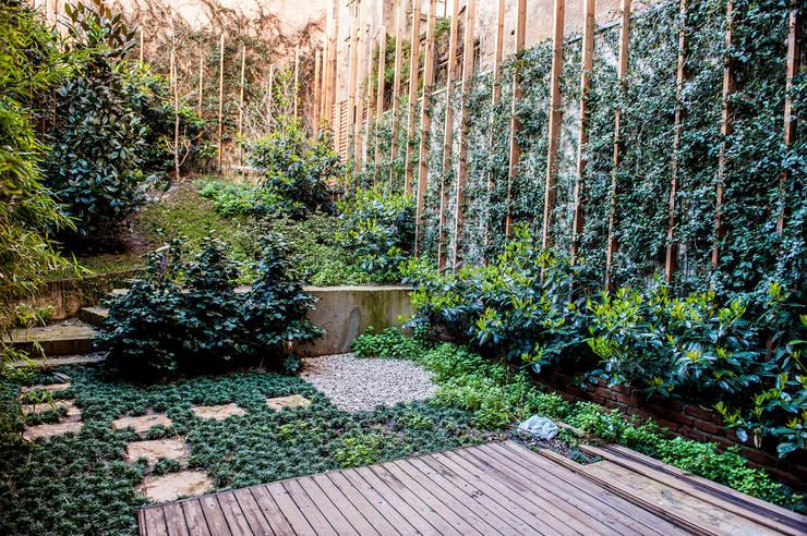 SANALarc – Park Dibek 21: modern tarz Bahçe