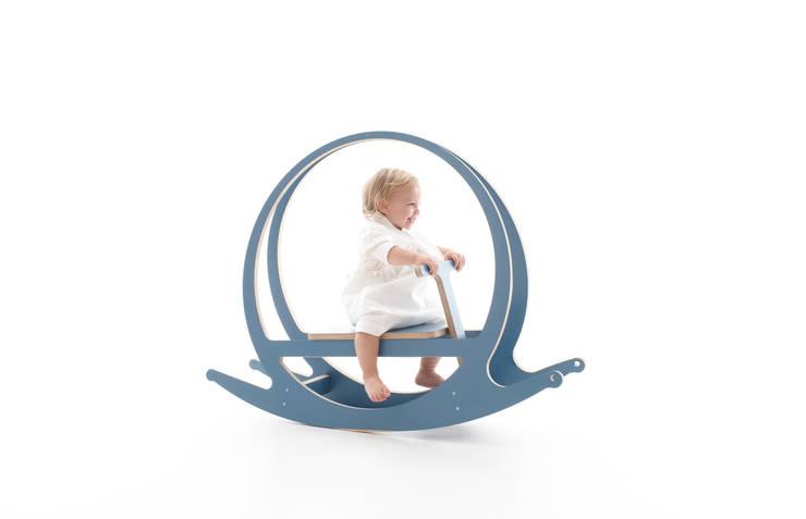 Dondò: Stanza dei bambini in stile in stile Moderno di Design Mood