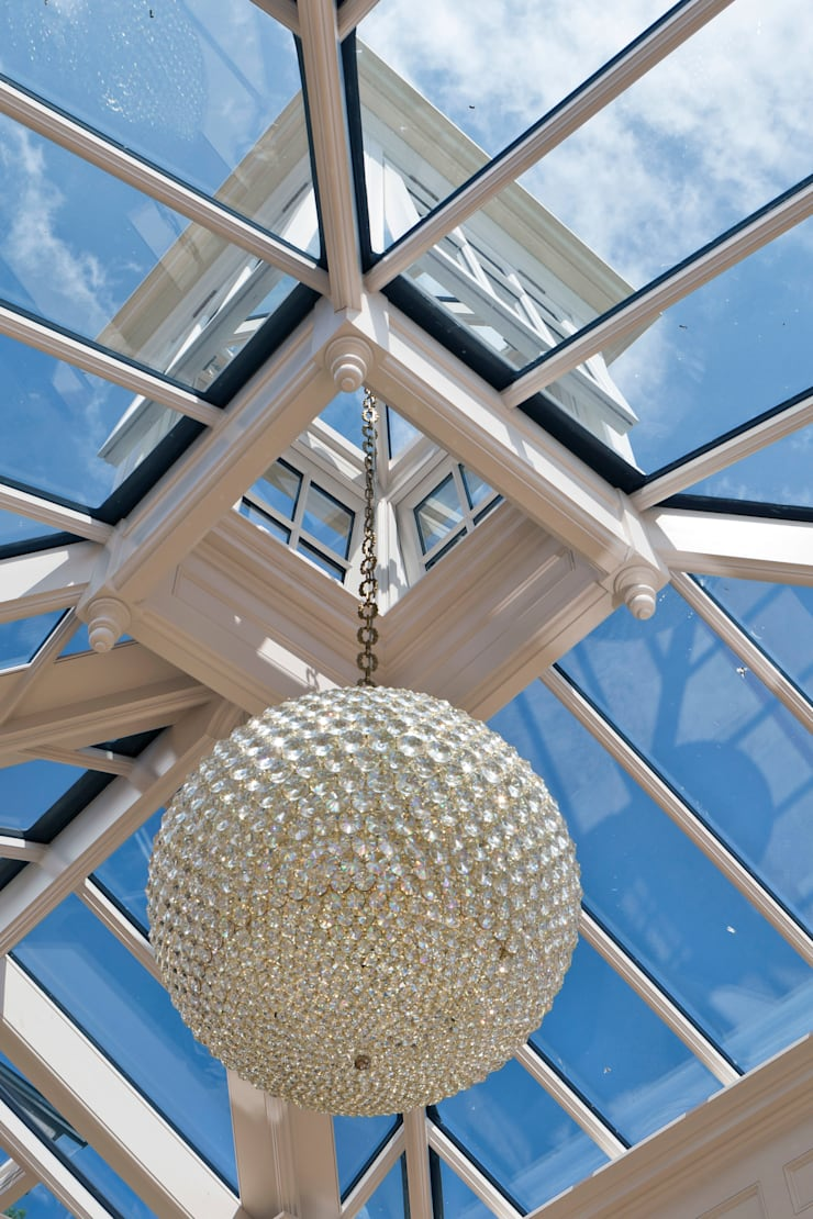 A Light Filled Sitting Room Conservatory:  Conservatory by Vale Garden Houses