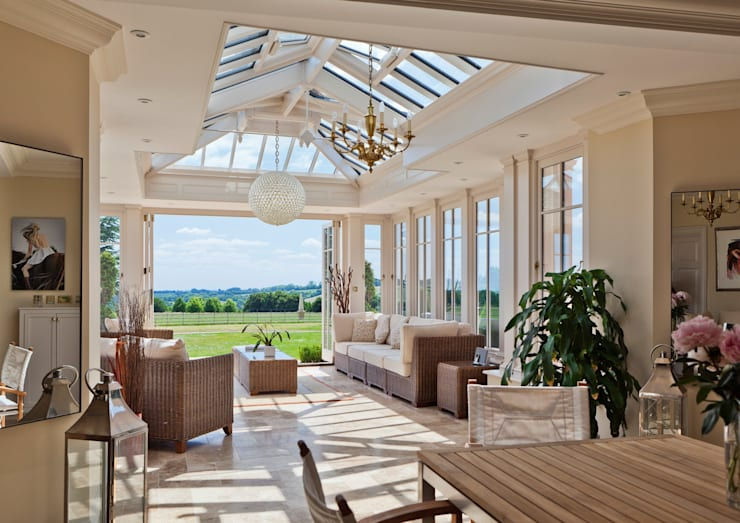 A Light Filled Sitting Room Conservatory: classic Conservatory by Vale Garden Houses