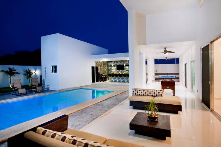 Terraza: Terrazas de estilo  por Arturo Campos Arquitectos