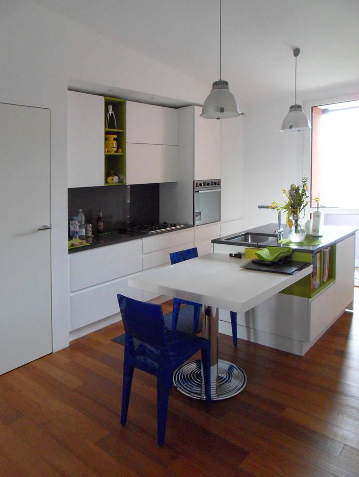 Cucina: Cucina in stile  di gk architetti  (Carlo Andrea Gorelli+Keiko Kondo),