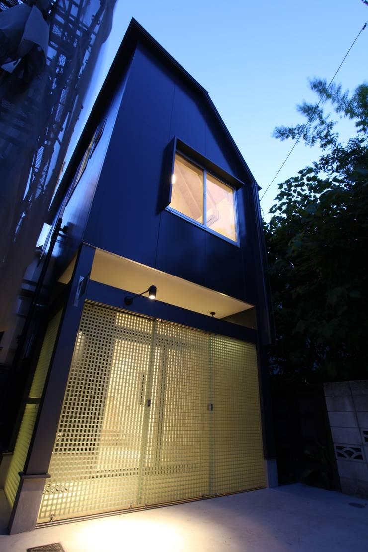 マルコビッチな家: SASAKI YOSHIKI ARCHITECTS STUDIOが手掛けた家です。