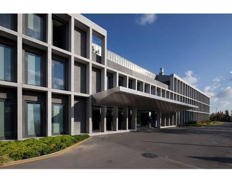 Nevzat Sayın Mimarlık Hizmetleri – DOGAN HOLDING:  tarz Ofis Alanları