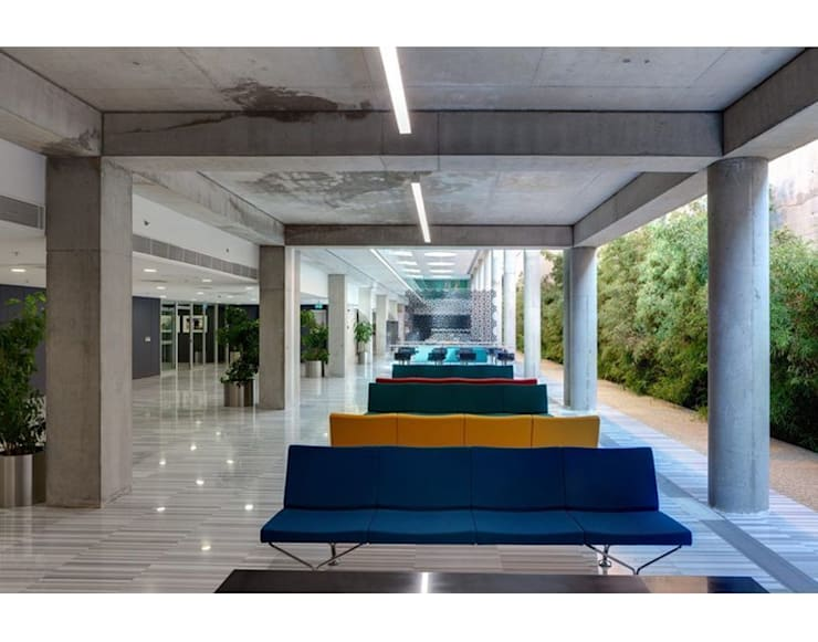 Nevzat Sayın Mimarlık Hizmetleri – DOGAN HOLDING:  tarz Ofis Alanları,