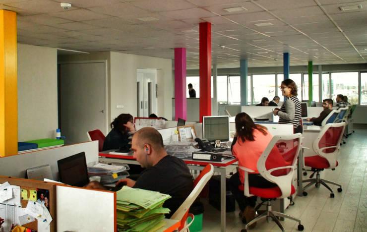 5 dakika Deneyim Tasarımı / Experience Design – Essepro Ofisi:  tarz Ofis Alanları