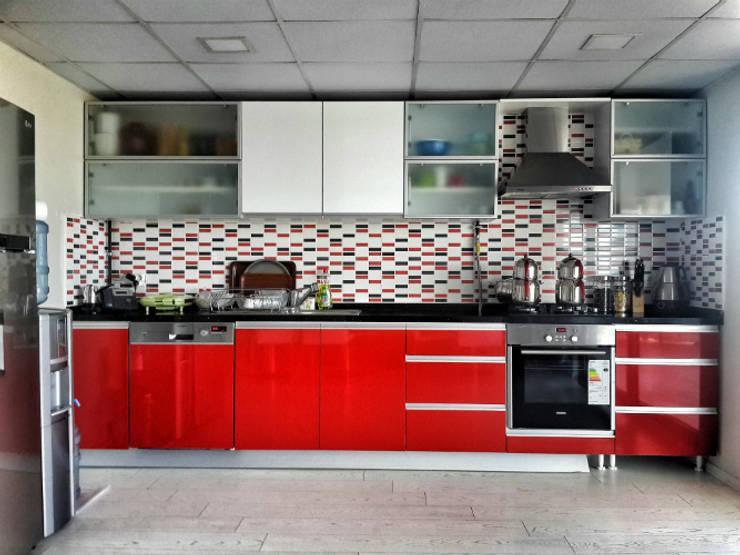 5 dakika Deneyim Tasarımı / Experience Design – Essepro Mutfak Alanı:  tarz Ofis Alanları