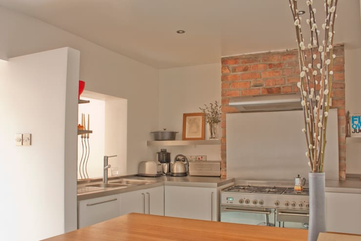 Kitchen at Architect's House in Bristol by DHV Architects:  Kitchen by Dittrich Hudson Vasetti Architects