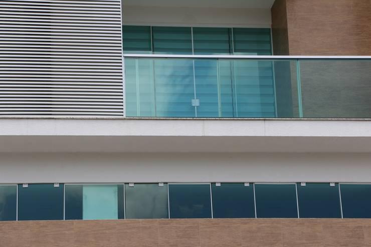 ZAAV-Edifício Residencial-1120: Janelas   por ZAAV Arquitetura