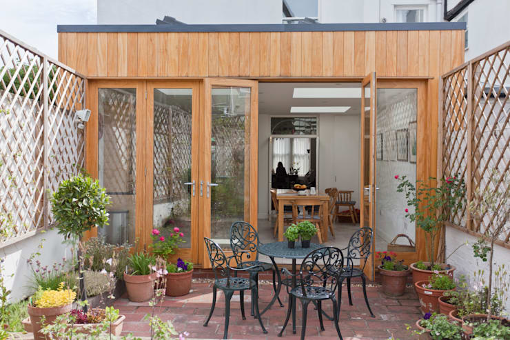 New rear extension designed by DHV Architects:  Dining room by Dittrich Hudson Vasetti Architects