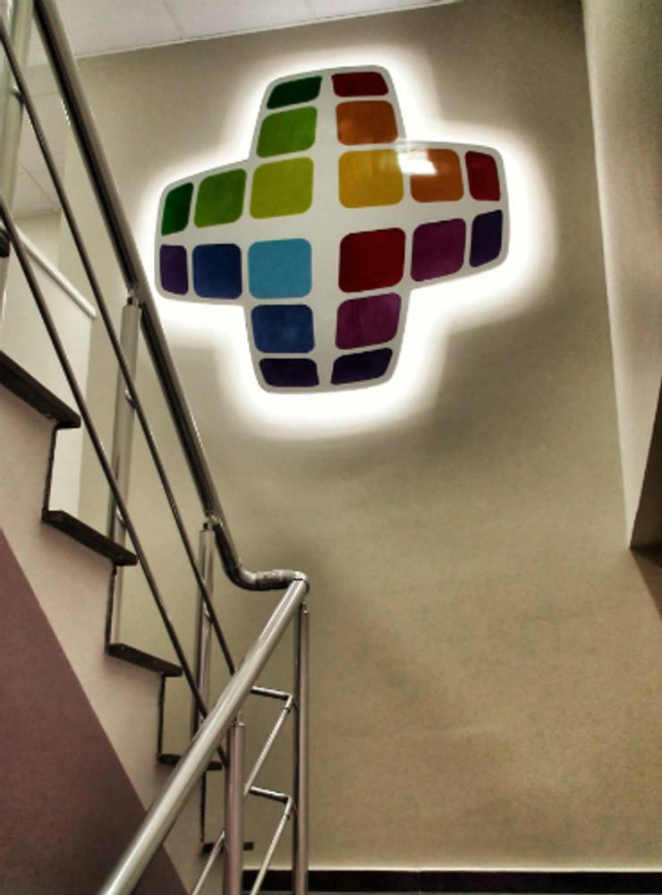 5 dakika Deneyim Tasarımı / Experience Design – Essepro Ofisi Logo Uygulama:  tarz Ofis Alanları