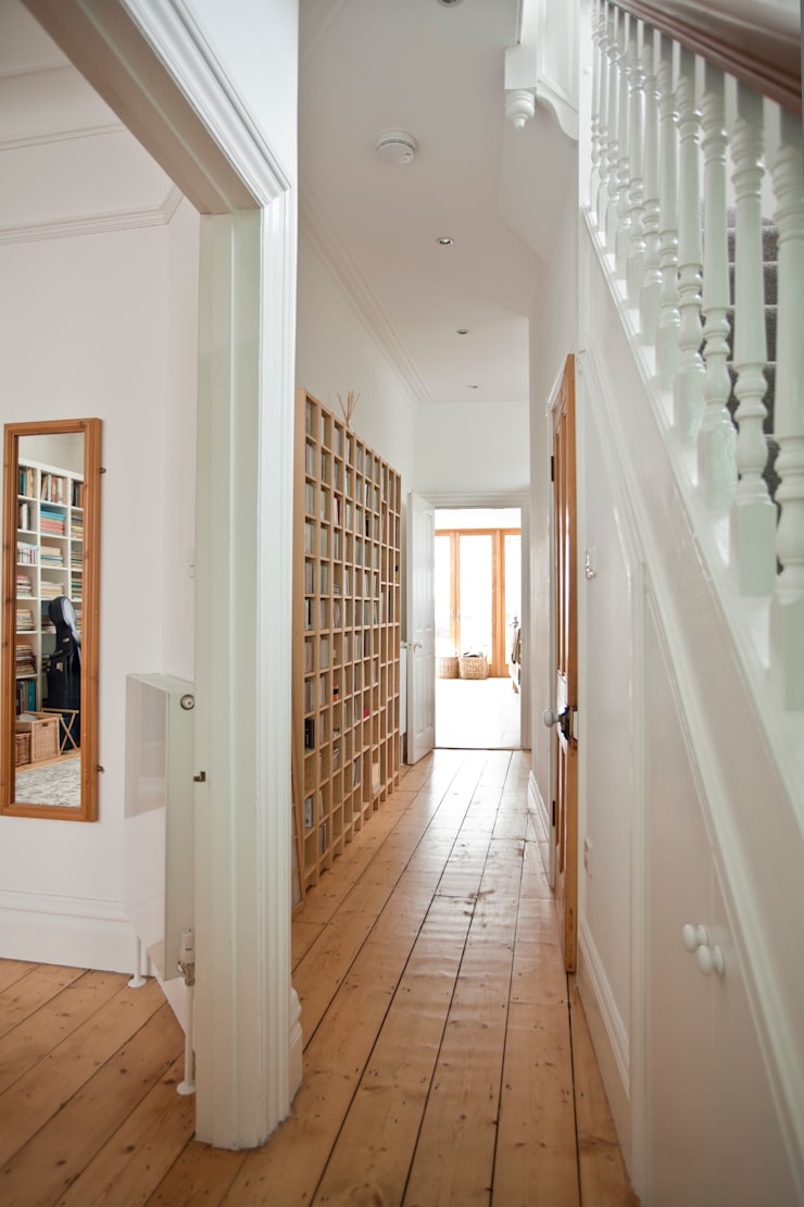 Remodelling of Victorian House by DHV Architects:  Corridor & hallway by Dittrich Hudson Vasetti Architects