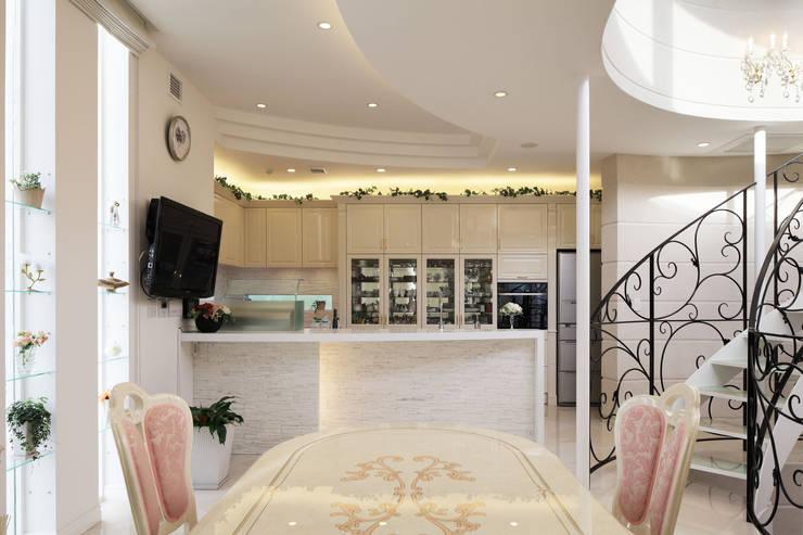 Mediterranean style dining room by 菅原浩太建築設計事務所 Mediterranean