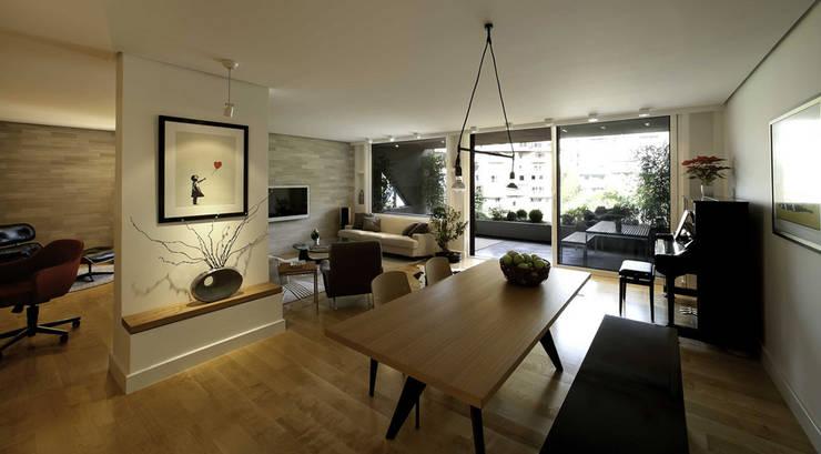 Paker Mimarlık – ABHARY EVİ: modern tarz Oturma Odası