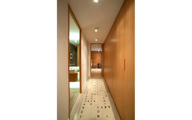 Corridor & hallway by Paker Mimarlık