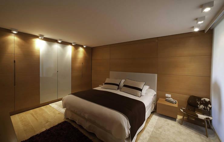 Paker Mimarlık – ABHARY EVİ: modern tarz Yatak Odası