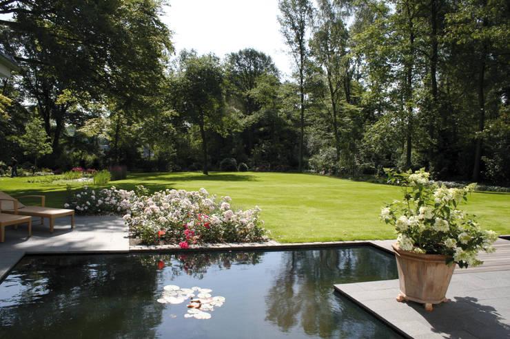 Grünplanungsbüro Jörg baumann의  정원