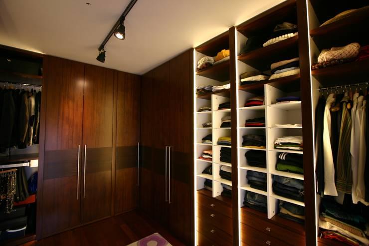avci_burak – M.B. Evi: modern tarz Giyinme Odası