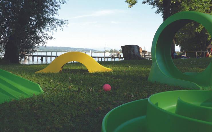myminigolf: moderner Garten von defacto.design