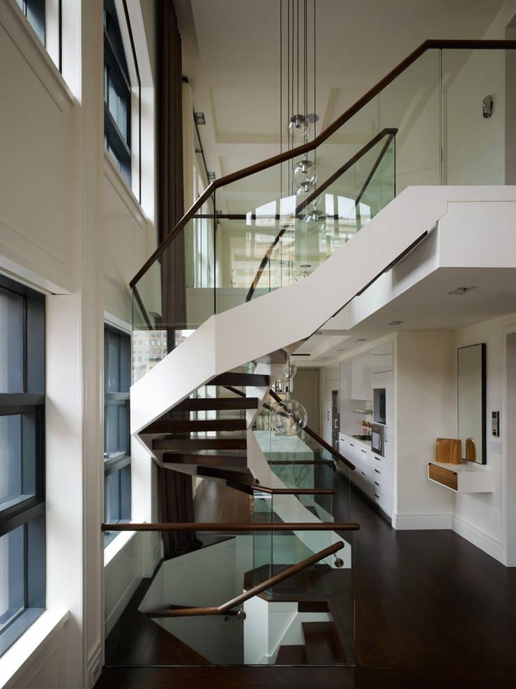 Franklin Street, New York:  Corridor & hallway by studioMDA