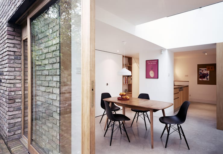 Dining room by ABN7 Architects, Modern