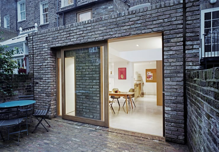Sliding Oak Door Oleh ABN7 Architects