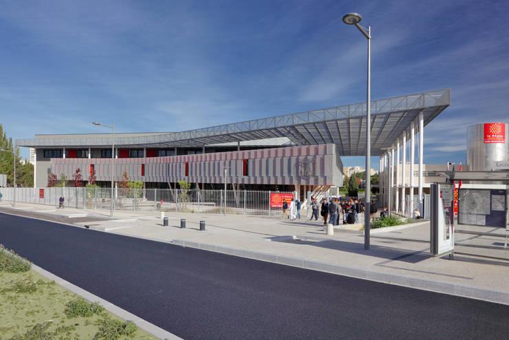 Vue de la rue du professeur Blayac: Ecoles de style  par  Hellin Sebbag architectes associés