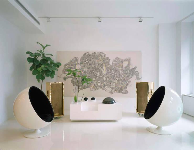 Noho Loft, New York:  Living room by studioMDA