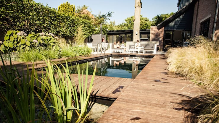 Piscinas de estilo  de Studio REDD exclusieve tuinen