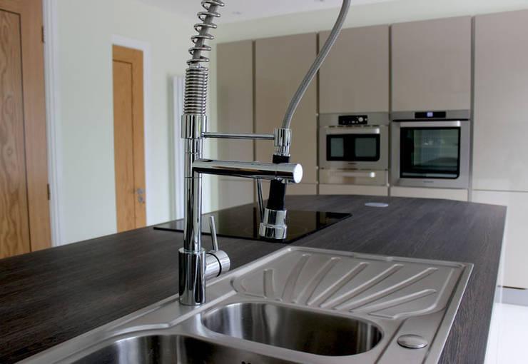 Kitchen Case Study in Eccleston, Lancashire:   by Lieben Der Kuche