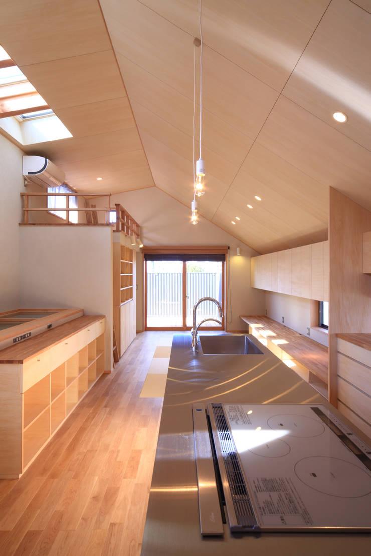 LDK2: 悠らり建築事務所が手掛けた家です。,モダン