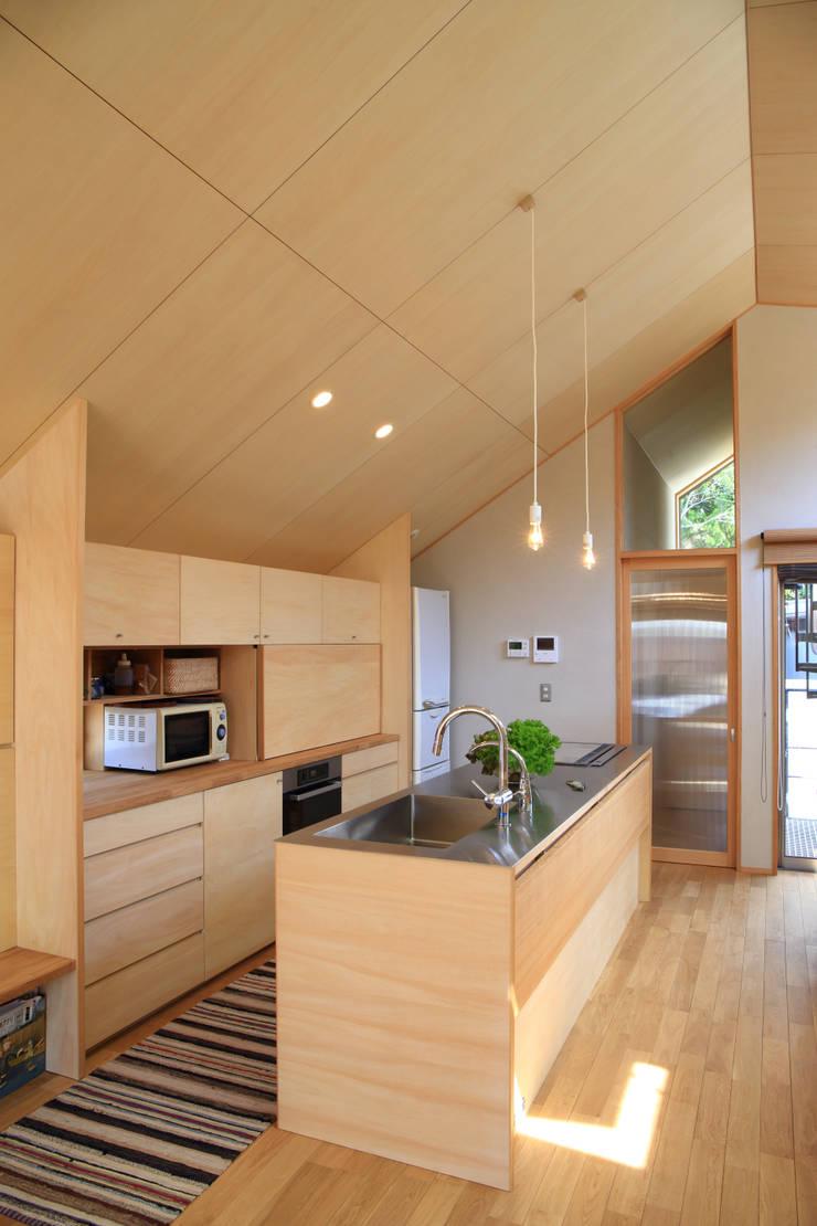 キッチン1: 悠らり建築事務所が手掛けた家です。,モダン