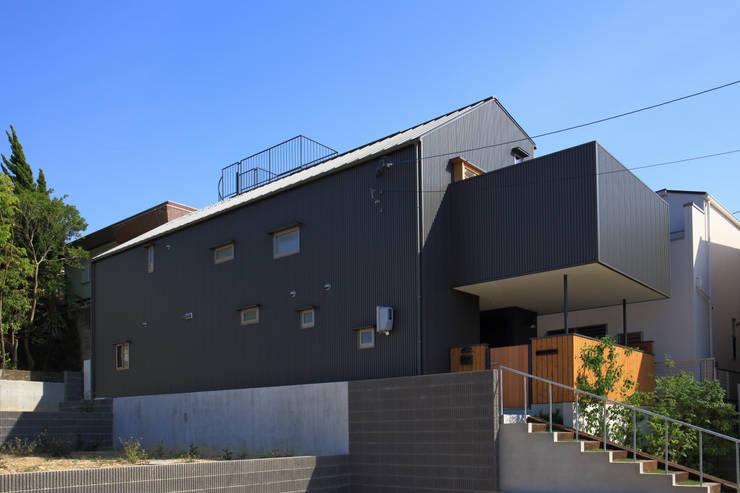 外観2: 悠らり建築事務所が手掛けた家です。,モダン