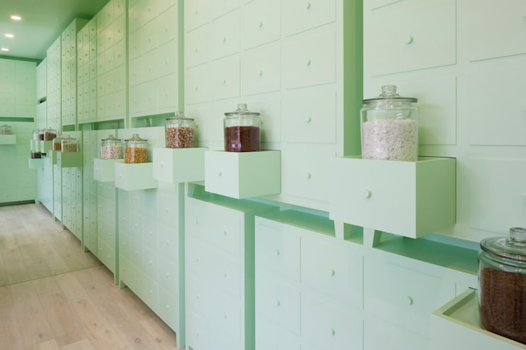 SUMIYOSHIDO kampo lounge, clinic for acupuncture and moxibustion: id inc..が手掛けたオフィススペース&店です。