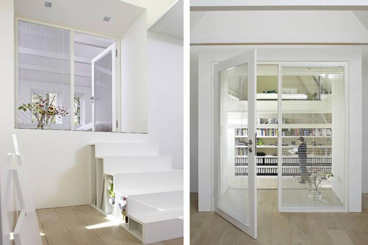 Umbau und Sanierung eines Fachhallenhauses: minimalistische Arbeitszimmer von BUB architekten bda
