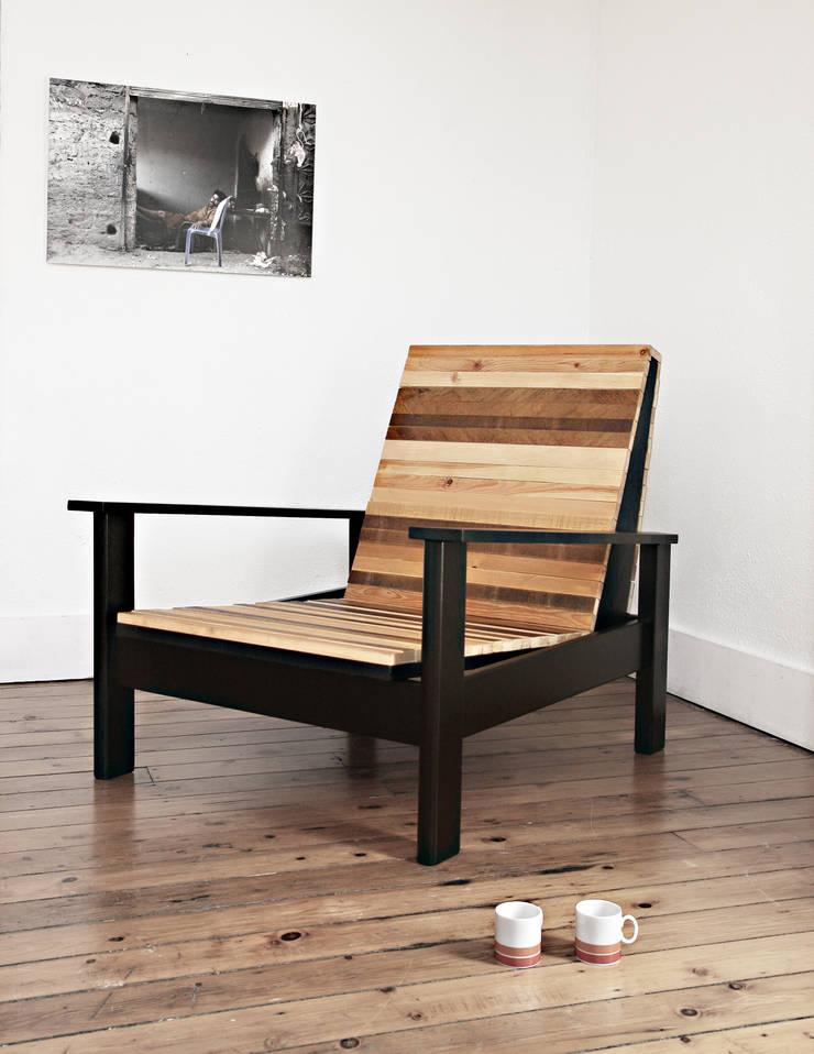 Wooden Chair - Atelier 4/5:  de style  par  Atelier 4/5