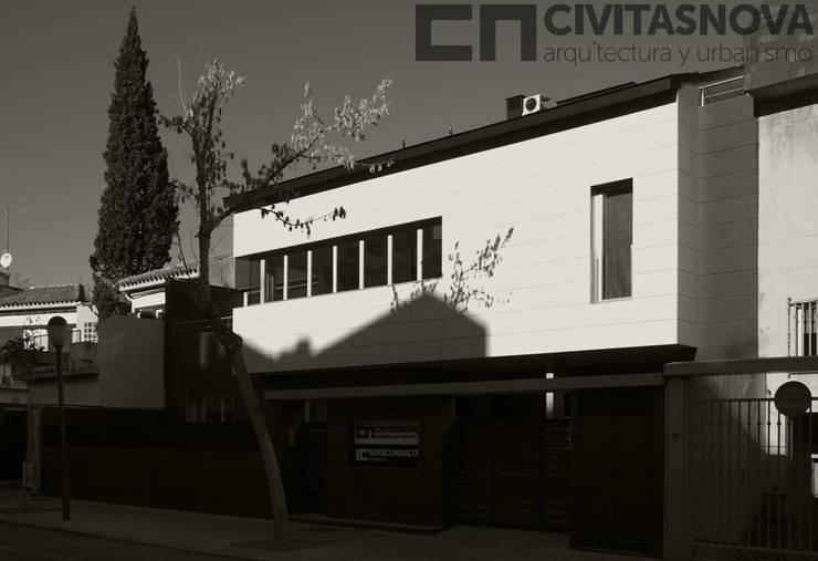 CIVITASNOVA - Fachada de la vivienda: Casas de estilo  de CIVITASNOVA