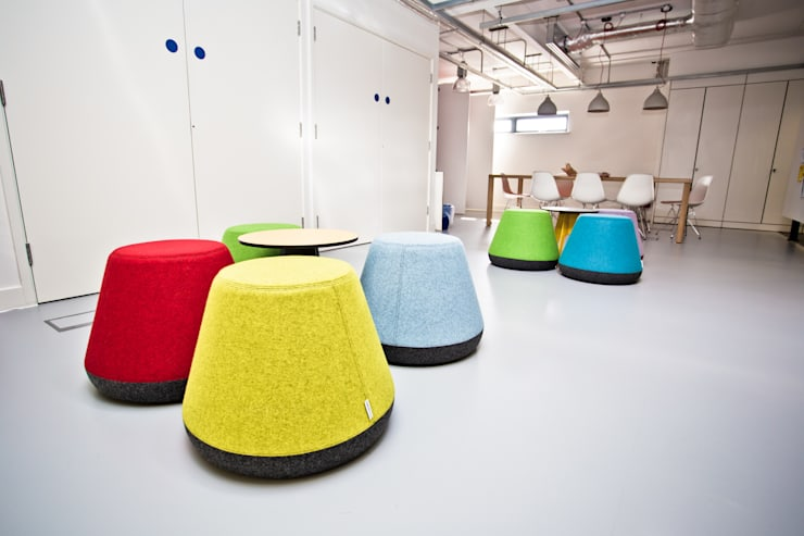 Hyde Stacking Stool:  Living room by Assemblyroom