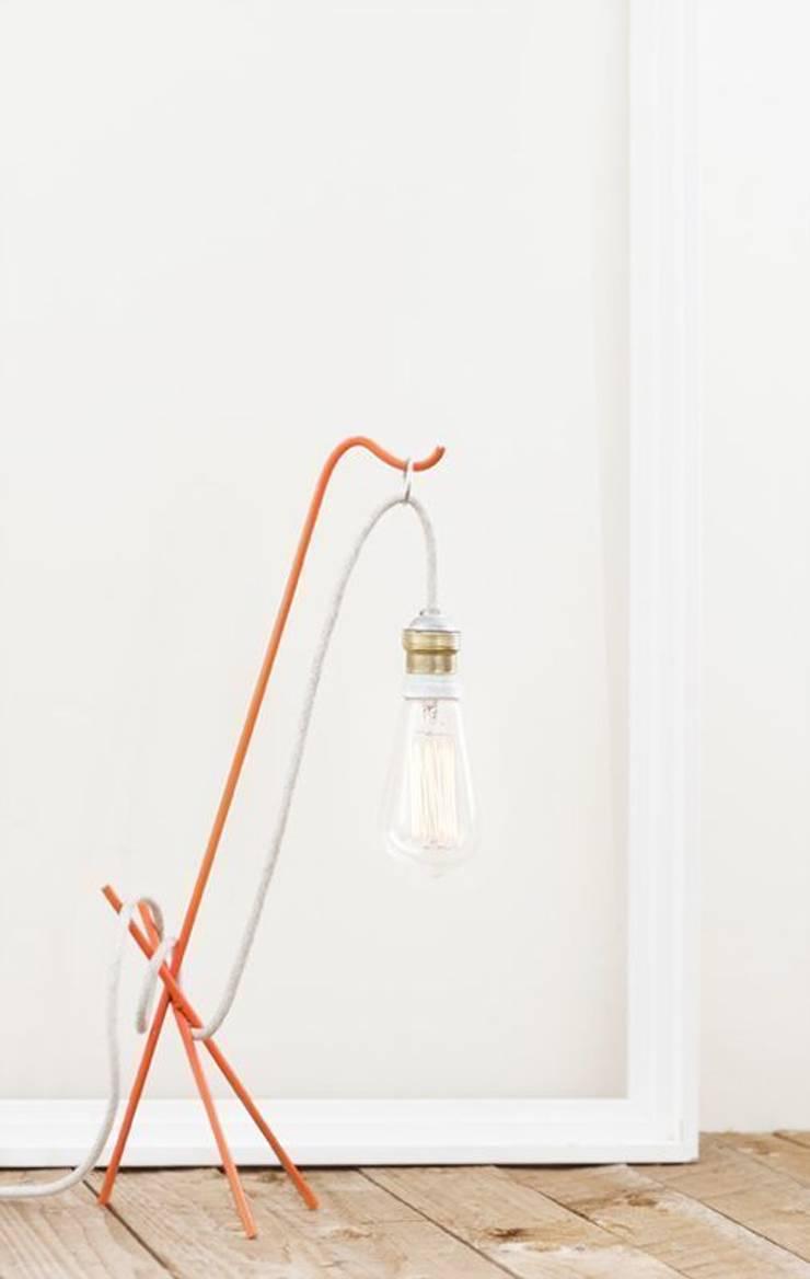 Lámpara GOODMORNIG: Hogar de estilo  de Decojondepato.com