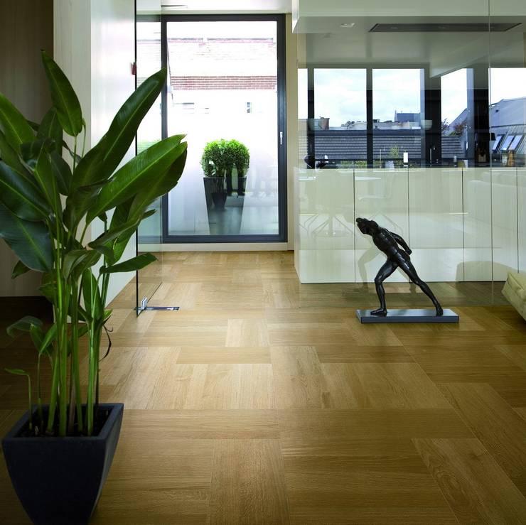 TRIO PARQUET – STP Wood+ Oak Natural Classic: modern tarz Duvar & Zemin