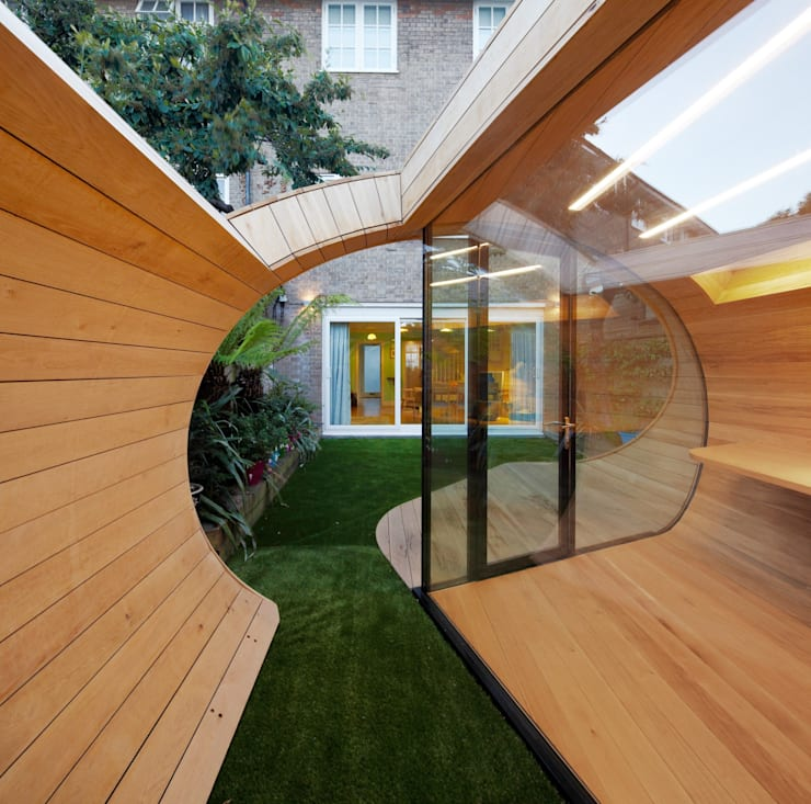 Garage/shed by Platform 5 Architects LLP