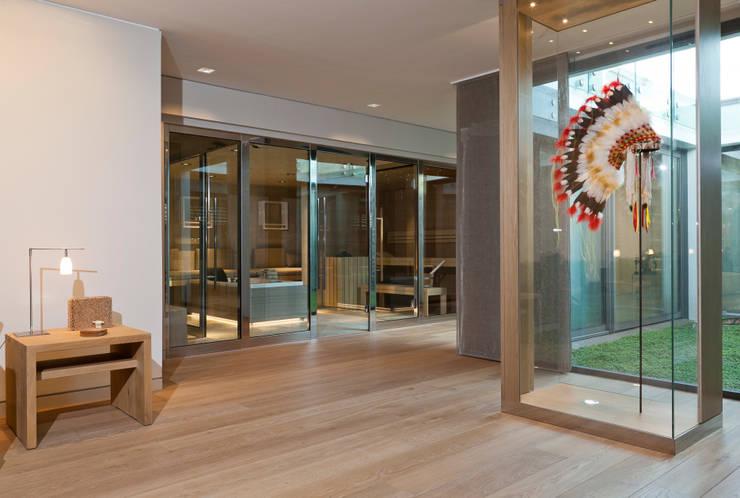 Hammam, Sauna, Balnéothérapie: Salle de bains de style  par Atelier TO-AU