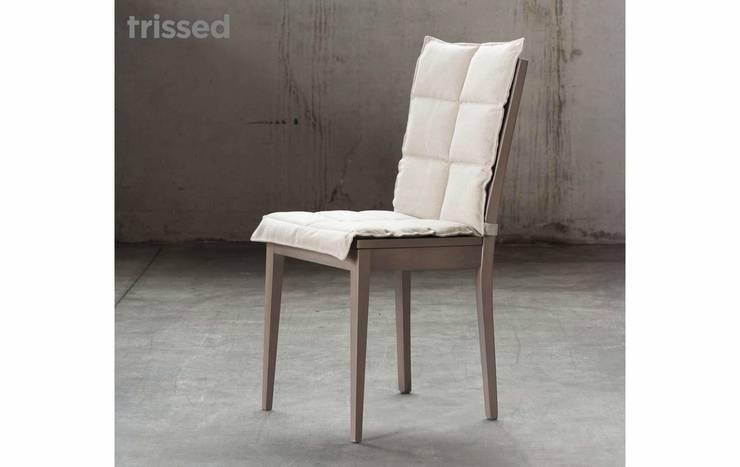 Sedia Cloud - Trissed Furniture: Sala da pranzo in stile in stile Moderno di Trissed