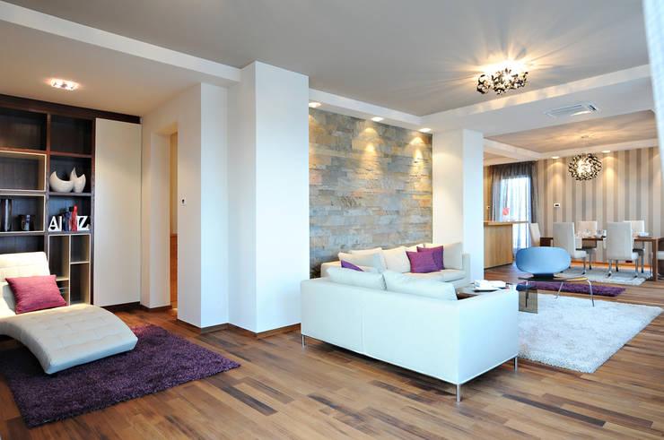 Ruang Keluarga oleh Thisiadis Interior, Modern