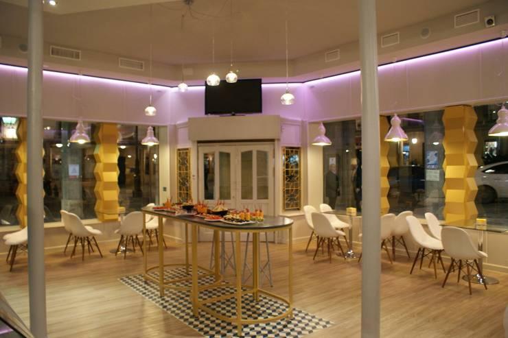Cafetería Aliatares : Locales gastronómicos de estilo  de moreandmore design